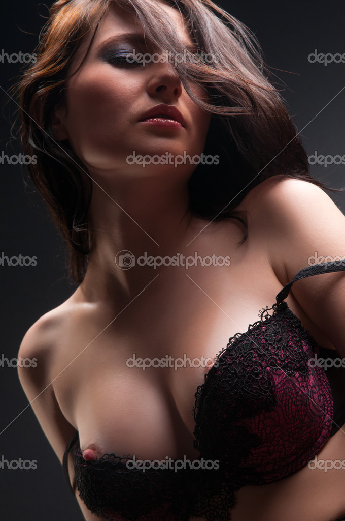 Фото жінок оголених