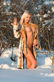 Winter naked portrait — 图库照片