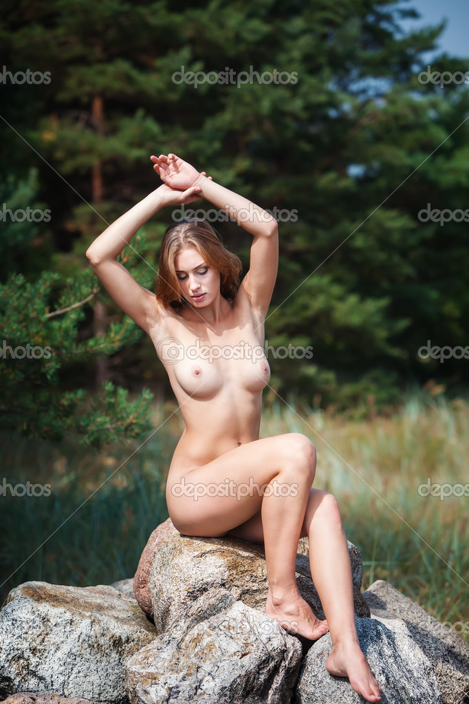 Woman Naked Outdoors 31