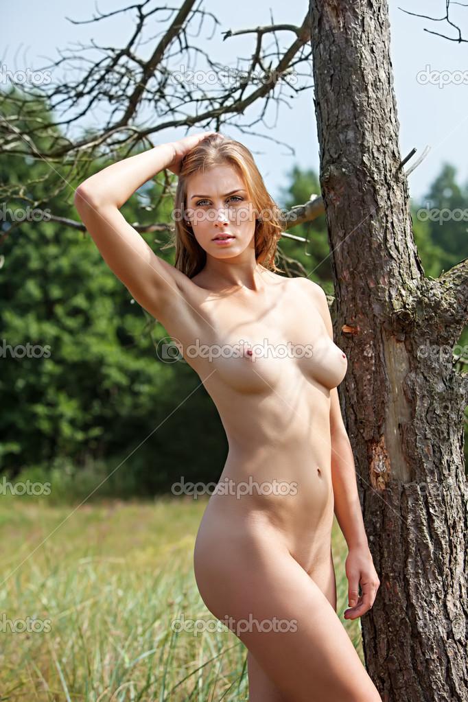 amel la pute fille nudiste