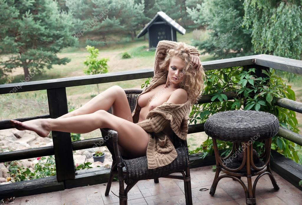 Nude Bilder in der Nähe von 64744