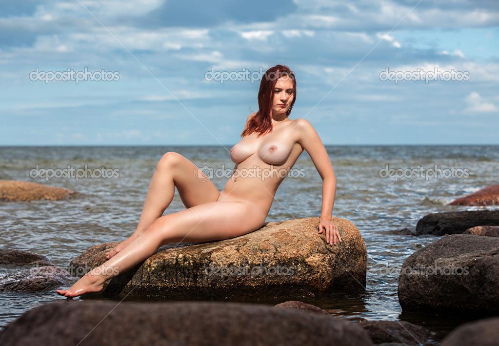 Секс с русскими девушками видео на пляжах на камнях