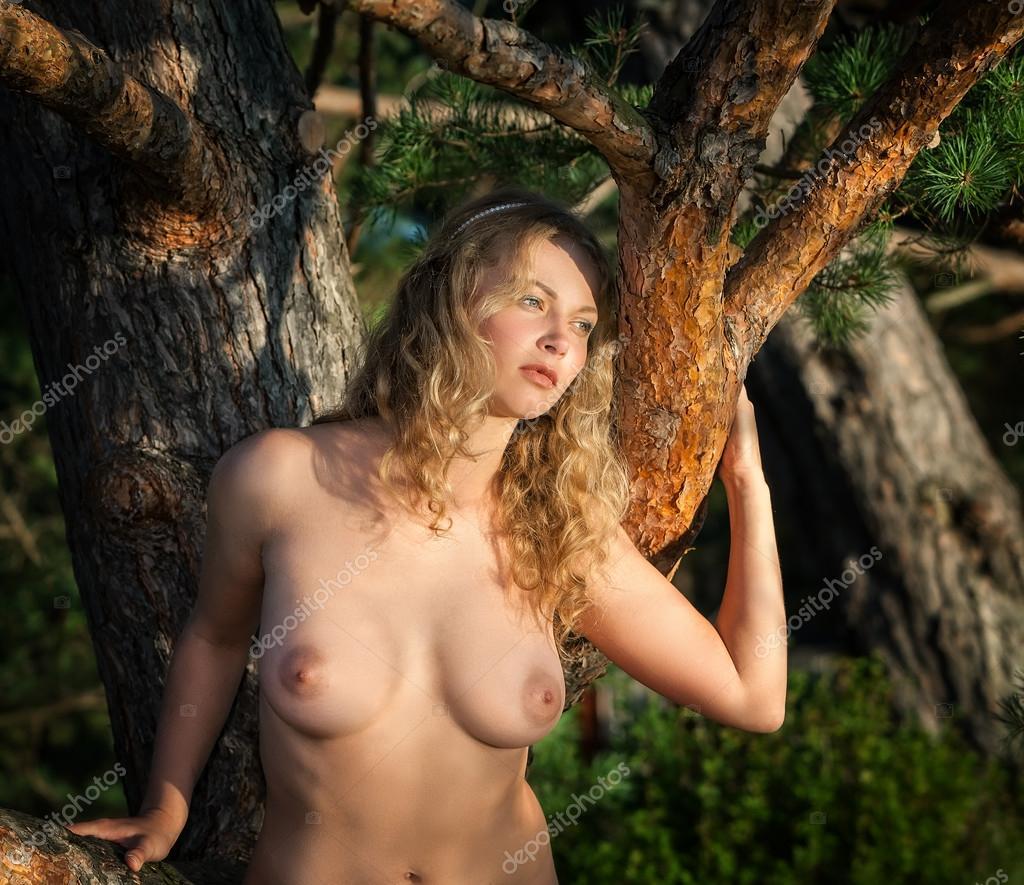 Beautiful Nud Woman 44