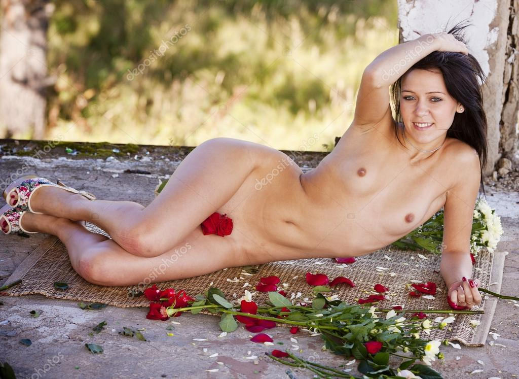 Variant does Naked women in flowers think, that