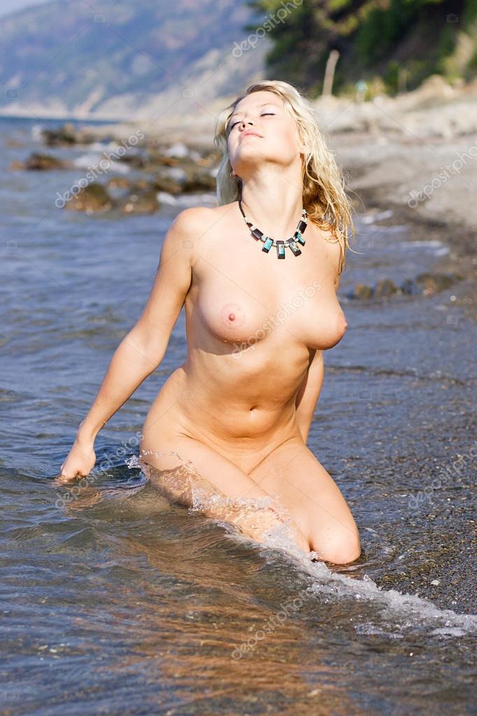 Naked Young Woman On The Lake Stock Aleander Lobanov Filmvz Portal