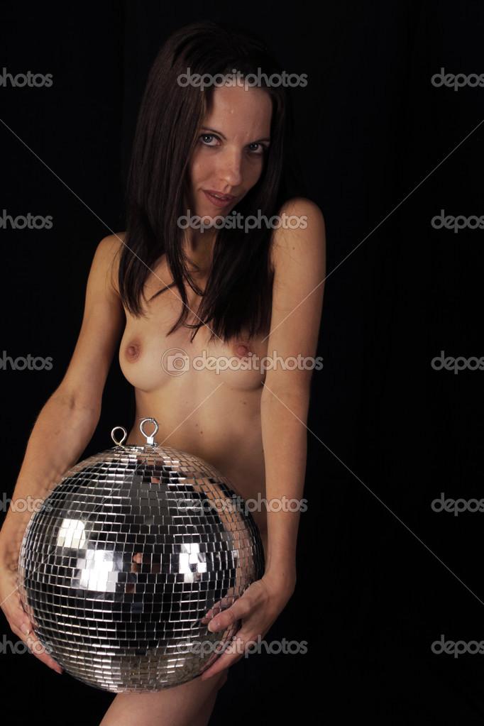 Молодая голая танцовщица фото 599-890