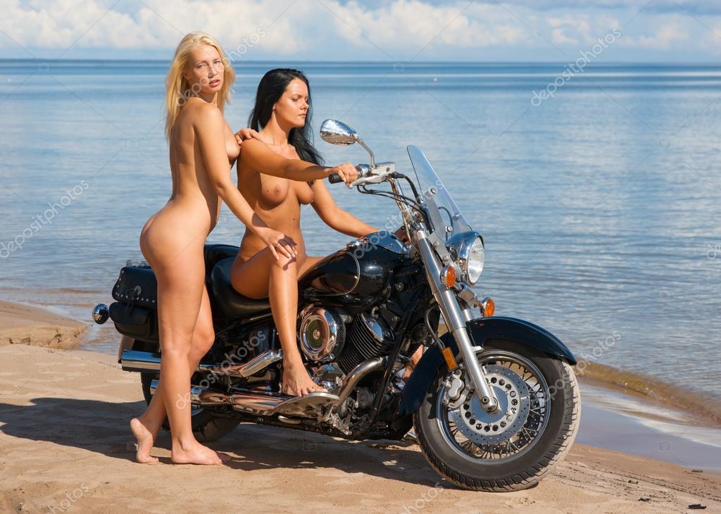 sexy naked amature girls