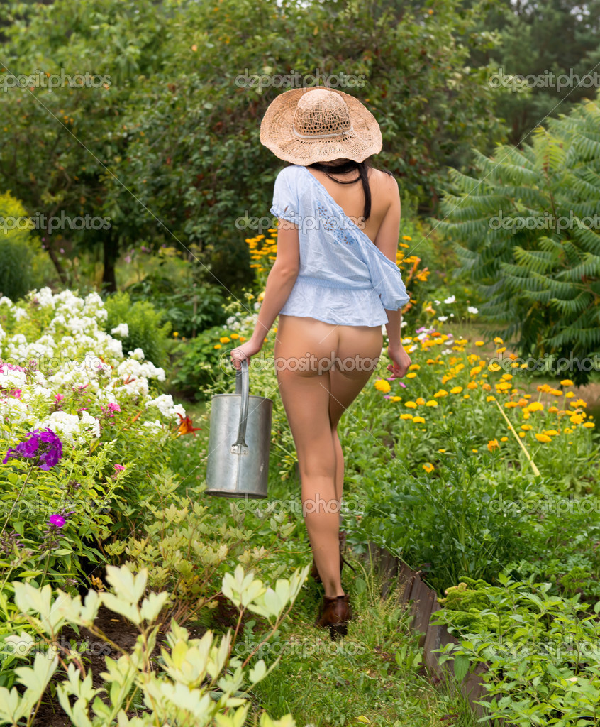 nude females in the garden