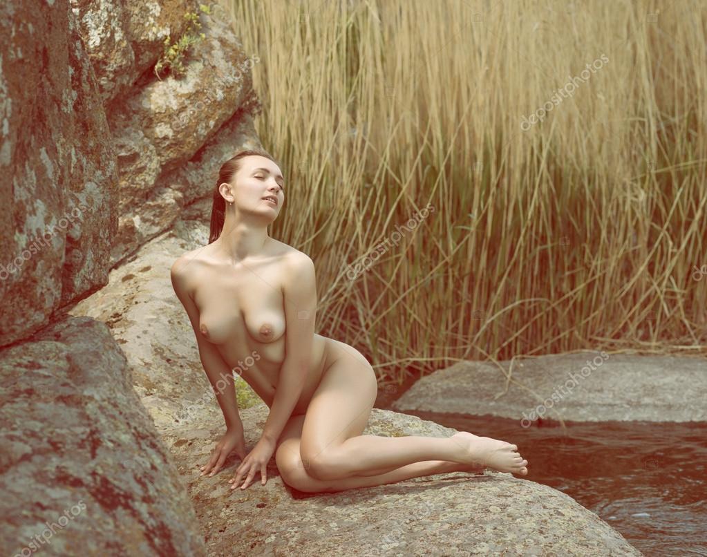 Photos rotiques de femmes nues, belles femmes posant nues