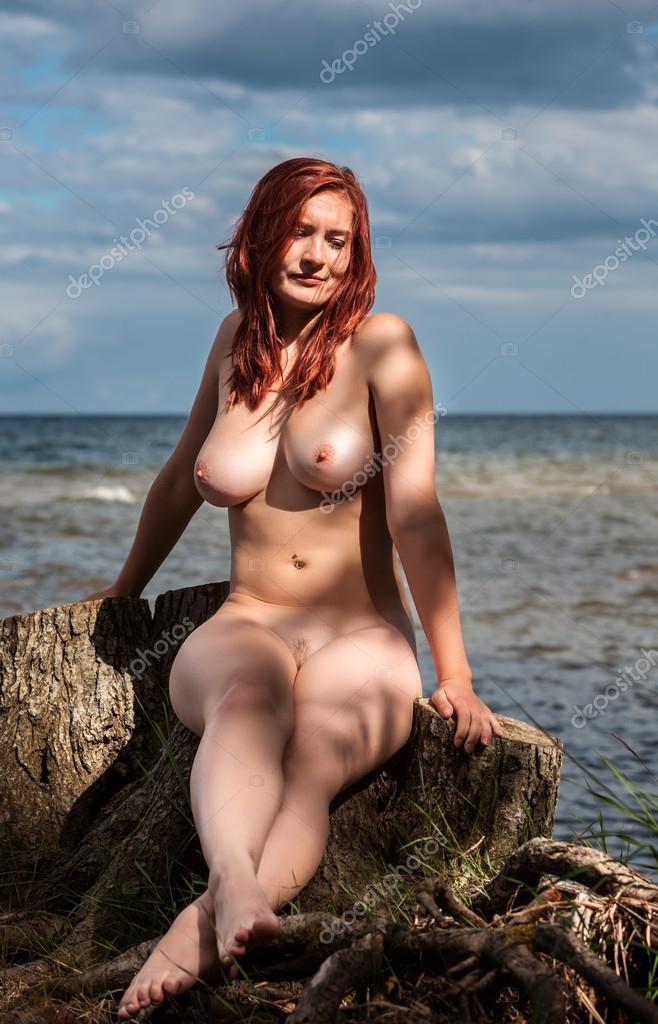 lovato-naked-naked-girls-on-a-stump-dick