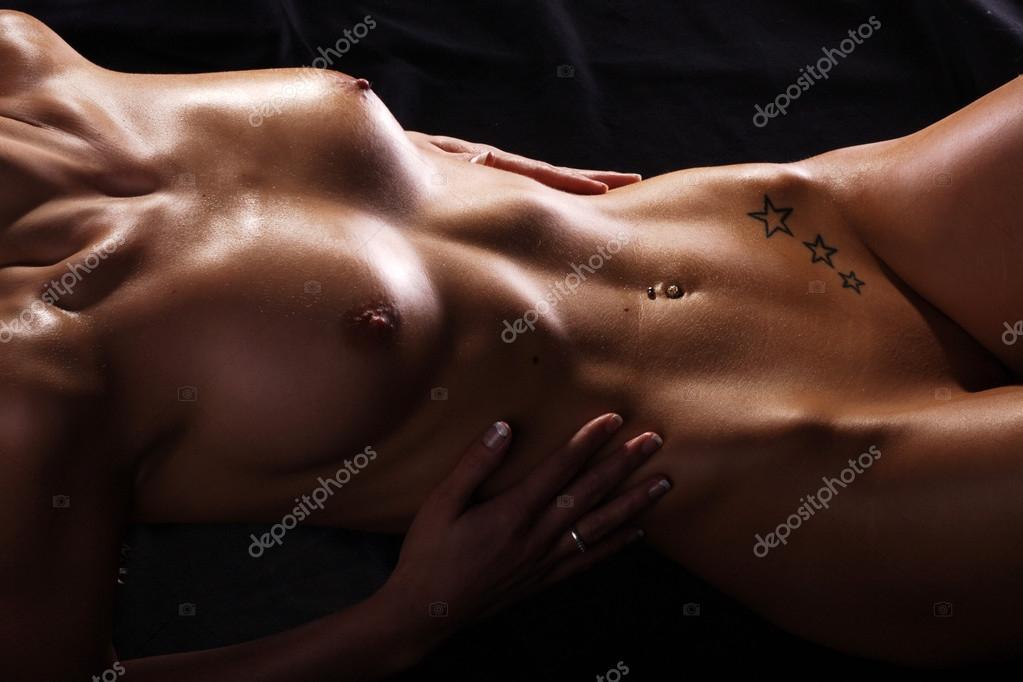 Фото обнаженного женского тела вид сверху